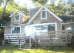 Foreclosed Home in Mastic 11950 OVERLOOK DR - Property ID: 3018947472