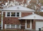 Foreclosed Home in Shirley 11967 CHESTNUT LN - Property ID: 3019239606