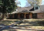 Foreclosed Home in Baton Rouge 70805 CATHEDRAL DR - Property ID: 3035552827