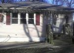 Foreclosed Home in Shirley 11967 PARKWOOD DR - Property ID: 3044747198
