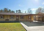 Foreclosed Home in Denham Springs 70726 BAKER DR - Property ID: 3048972339