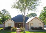 Foreclosed Home in Tyler 75706 COTTONWOOD DR - Property ID: 3071010767