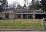 Foreclosed Home in Lufkin 75904 HUNTERS GLEN DR - Property ID: 3071056754