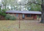 Foreclosed Home in Wewahitchka 32465 LAKE ALICE PARK DR - Property ID: 3100270935
