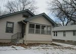 Foreclosed Home in Newton 50208 E 10TH ST S - Property ID: 3119170374