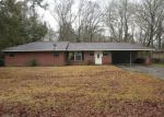 Foreclosed Home in Baton Rouge 70815 CLETUS DR - Property ID: 3145691905