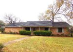 Foreclosed Home in Beaumont 77707 ARROWHEAD DR - Property ID: 3147111813