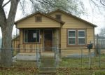 Foreclosed Home in Seguin 78155 PECAN ST - Property ID: 3147157350
