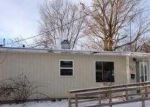 Foreclosed Home in Mattoon 61938 WOODLAWN AVE - Property ID: 3149270582