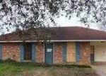 Foreclosed Home in Gonzales 70737 LAKE PARK AVE - Property ID: 3149865339
