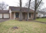 Foreclosed Home in Baytown 77521 KINGSWAY DR - Property ID: 3153721712