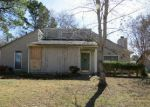 Foreclosed Home in Cordova 38016 VALLEY RIDGE TRL - Property ID: 3156901394
