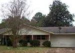 Foreclosed Home in Nacogdoches 75965 E PARKER RD - Property ID: 3157040232