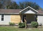 Foreclosed Home in Vidor 77662 E BOLIVAR ST - Property ID: 3157048108