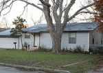 Foreclosed Home in Seguin 78155 N HEIDEKE ST - Property ID: 3159106597