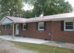 Foreclosed Home in Murphysboro 62966 COUNTRY CLUB RD - Property ID: 3161105508