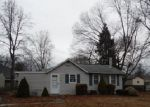 Foreclosed Home in Pennsville 8070 NARCISSUS RD - Property ID: 3196515715