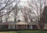 Foreclosed Home in Grosse Pointe 48236 COUNTRY CLUB DR - Property ID: 3199884607