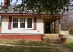 Foreclosed Home in Palestine 75801 E NECHES ST - Property ID: 3201407443