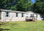 Foreclosed Home in Jacksonville 32218 LYLE RD - Property ID: 3202248796
