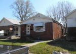 Foreclosed Home in Evansville 47712 GLENDALE AVE - Property ID: 3202938150