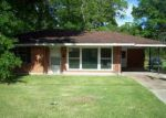 Foreclosed Home in Baton Rouge 70812 SILVERLEAF AVE - Property ID: 3203139630