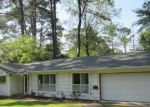 Foreclosed Home in Jackson 39211 CHEROKEE DR - Property ID: 3203526808