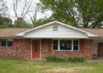 Foreclosed Home in Columbus 39702 DOGWOOD ST - Property ID: 3203537306