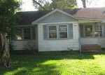Foreclosed Home in Beaumont 77703 HARDING DR - Property ID: 3204529315