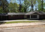 Foreclosed Home in Marshall 75672 LINWOOD DR - Property ID: 3204663788