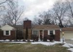 Foreclosed Home in Southfield 48076 SANTA BARBARA DR - Property ID: 3208298522