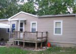Foreclosed Home in Murphysboro 62966 KRISTY ST - Property ID: 3210301828