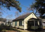 Foreclosed Home in League City 77573 E SAUNDERS ST - Property ID: 3210489713
