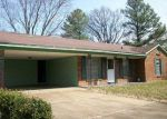 Foreclosed Home in Memphis 38116 DEMO AVE - Property ID: 3213562984
