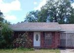 Foreclosed Home in Tampa 33615 GREENLEAF CIR - Property ID: 3229962919