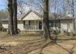 Foreclosed Home in Senatobia 38668 PINE TREE DR - Property ID: 3232568863