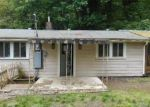 Foreclosed Home in Longview 98632 COAL CREEK RD - Property ID: 3256557118