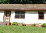 Foreclosed Home in Jacksonville 28546 DENNIS RD - Property ID: 3269574591