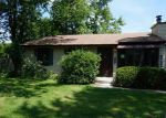 Foreclosed Home in Woodridge 60517 FOREST GLEN PKWY - Property ID: 3271998784