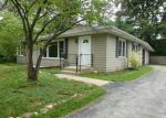 Foreclosed Home in West Chicago 60185 WOODCREST DR - Property ID: 3272482288