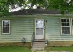 Foreclosed Home in Eminence 40019 THORNE HTS - Property ID: 3273363952