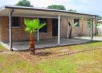 Foreclosed Home in Tampa 33614 W KNOLLWOOD ST - Property ID: 3282415999