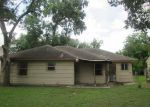 Foreclosed Home in Houston 77087 ANTOINETTE ST - Property ID: 3288193298