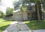Foreclosed Home in Davenport 52807 BELLE AVE - Property ID: 3291111519