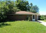 Foreclosed Home in Anderson 46013 SAINT CHARLES ST - Property ID: 3295319127