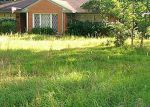 Foreclosed Home in Lufkin 75904 PIERCE ST - Property ID: 3296032150
