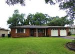 Foreclosed Home in Nederland 77627 MOOR DR - Property ID: 3296088211