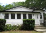 Foreclosed Home in Mastic 11950 MIDLAND AVE - Property ID: 3296348374