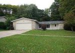 Foreclosed Home in Cedar Rapids 52403 GREEN VALLEY TER SE - Property ID: 3319683636