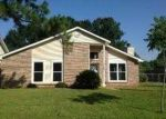 Foreclosed Home in Baton Rouge 70817 MEMBERS PL - Property ID: 3319865382